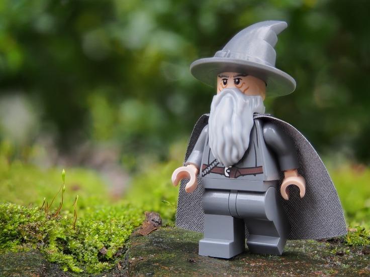 wizard-2021410_1280