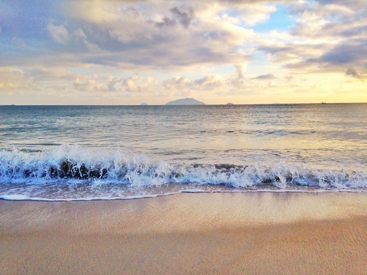 beach-2400764_1280