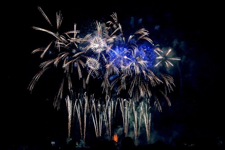 fireworks-2430469_1280